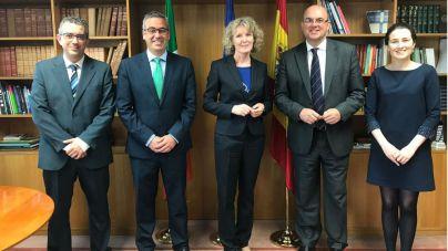 La Palma pide colaboración a Irlanda para homenajear a los precursores de la democracia en la isla