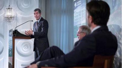 Clavijo avisa que ir contra el gas es 'condenar' a la sociedad a 32 años de combustibles fósiles