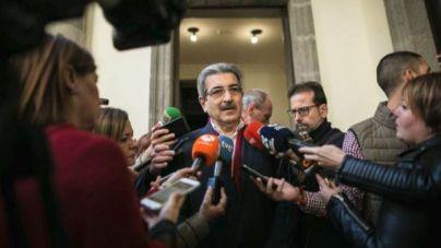 Román Rodríguez pide a CC, PP y PSOE que retiren las candidaturas a los órganos del Parlamento