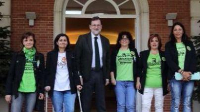 Rajoy se compromete a mejorar las condiciones laborales de las 'Kellys'