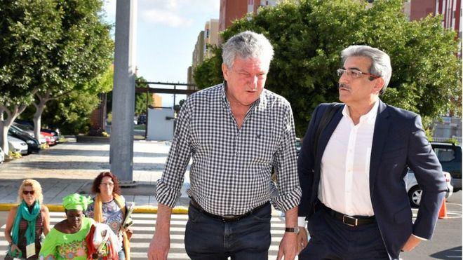 NC traslada al Gobierno las 'subidas desorbitadas' del avión Canarias-Península