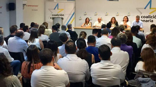 """González Taño: """"Es un error y totalmente inaceptable incrementar a 75 el número de diputados"""""""