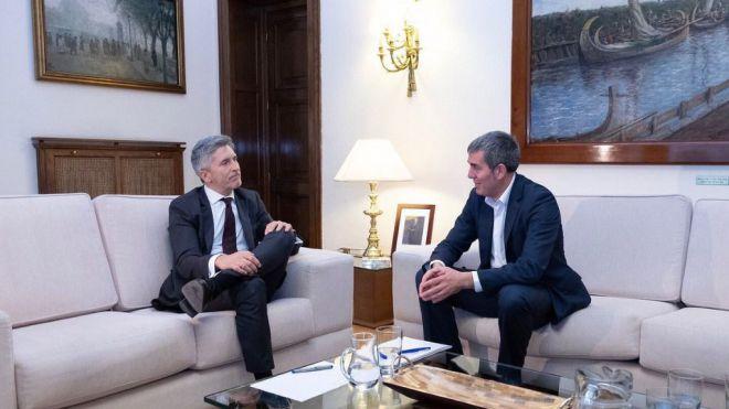 Clavijo pide a Grande-Marlaska reforzar el SIVE y el Frontex en las aguas canarias