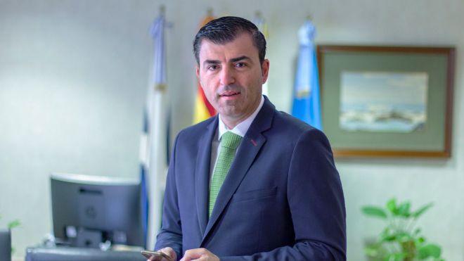 Domínguez invita a Carlos Alonso a no presentarse a las próximas elecciones
