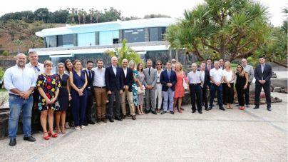 Bermúdez ofrece trabajo conjunto a los hoteleros para 'atenuar al máximo' la desaceleración turística