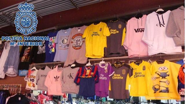 Detienen a 34 personas por la venta de artículos falsificados en el sur de Gran Canaria