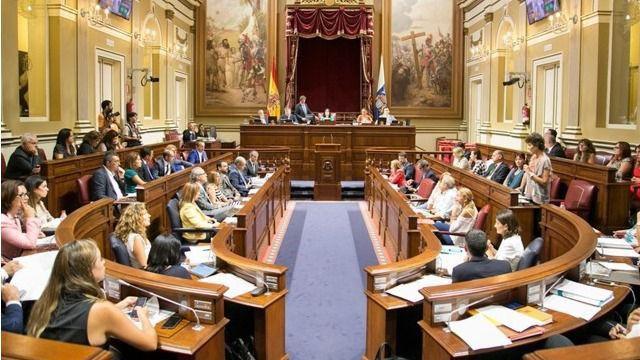 El Parlamento de Canarias muestra sus condolencias por los fallecidos en las inundaciones de Mallorca