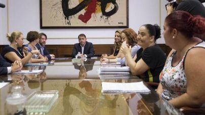 El Cabildo de Tenerife retirará 27 millones del Santander en apoyo a las familias de Añaza