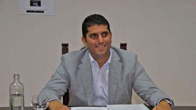 EL gobierno del Cabildo ha vuelto a vetar su moción para fiscalizar los procesos de contratación de los CACT