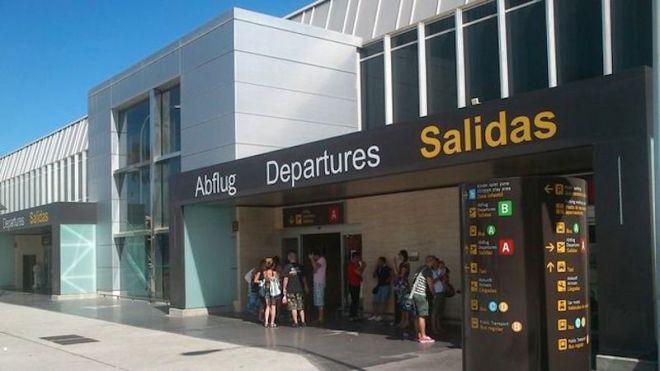 Aena saca a concurso la unión de las terminales y el aparcamiento del aeropuerto Tenerife Sur por 62,4 millones
