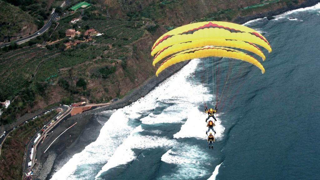 Resultado de imagen de Personas con discapacidad podrán volar en parapente este fin de semana en Los Realejos