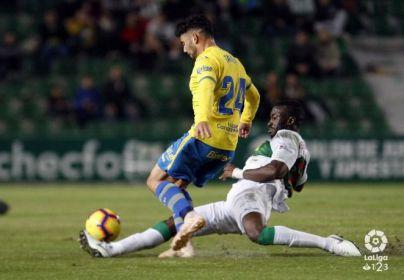 Las Palmas suma un punto en Elche (0-0)