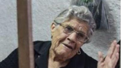 Fallece Nieves Mendoza, longeva tejedora de Gran Canaria que tejió la primera estameña de Los Gofiones