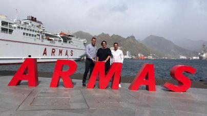 Naviera Armas renueva su compromiso con Maratón del Meridiano