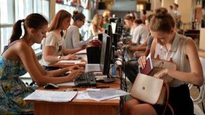 En octubre, los trabajadores afiliados a la Seguridad Social en turismo crecieron un 3,6% interanual