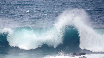 Se mantiene la situación de prealerta en el archipiélago por olas de hasta 5 metros