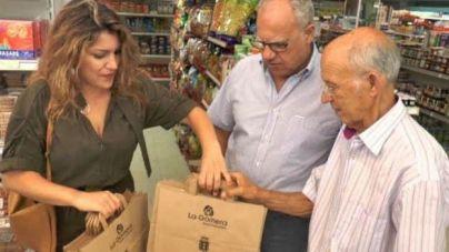 Segunda fase de 'La Gomera, libre de plástico' con la distribución de 40 mil bolsas de papel