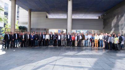 Canarias y sector primario de las Islas reiteran su rechazo unánime a las propuestas de recortes de los fondos agrarios y pesqueros de la UE