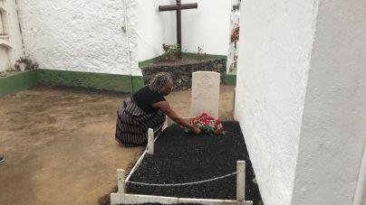 Rinden homenaje al soldado británico John Lee