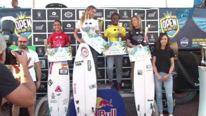 Melania Suárez, campeona de España absoluta de surf