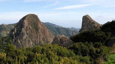 El Parlamento autoriza delegar a los cabildos la gestión de los parques Garajonay y Taburiente