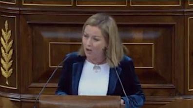 Ana Oramas: 'Acabemos con el circo y empecemos la política'