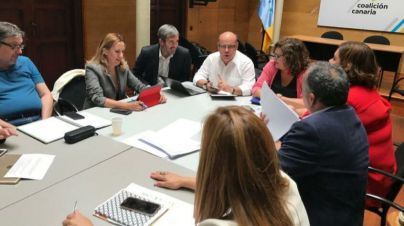 CC acusa a Sánchez de ser 'desleal' a Canarias con el convenio de carreteras