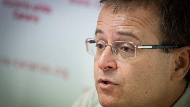 IUC critica la compra de un edificio a un empresario condenado a penas de prisión