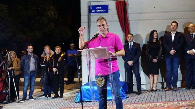 Santa Cruz homenajea a Los Rumberos dedicándole una calle