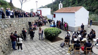 Santa Cruz rinde homenaje póstumo a dos alcaldes pedáneos de Punta de Anaga