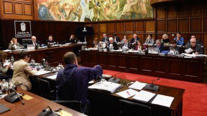 El Cabildo aprueba excluir la ampliación del Puerto de Agaete del PIO