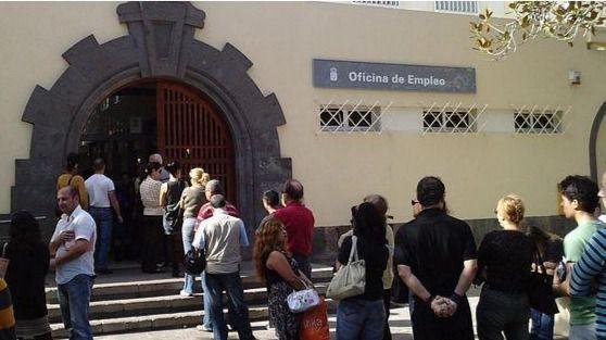 La tasa de paro juvenil en Canarias desciende más de 6 puntos en 2018