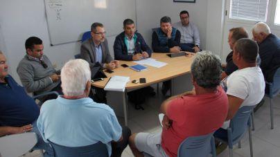 El Gobierno eliminará este año las tasas a los pescadores en los puertos canarios