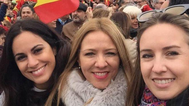 """""""Miles de españoles han salido a la calle para decirle a Sánchez que no todo vale y exigirle elecciones ya"""""""