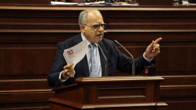 Curbelo pide al Gobierno que cumpla con la subvención para equiparar el precio del combustible