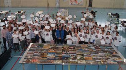Lanzarote consigue el reto de ensamblar el puzzle más grande del mundo