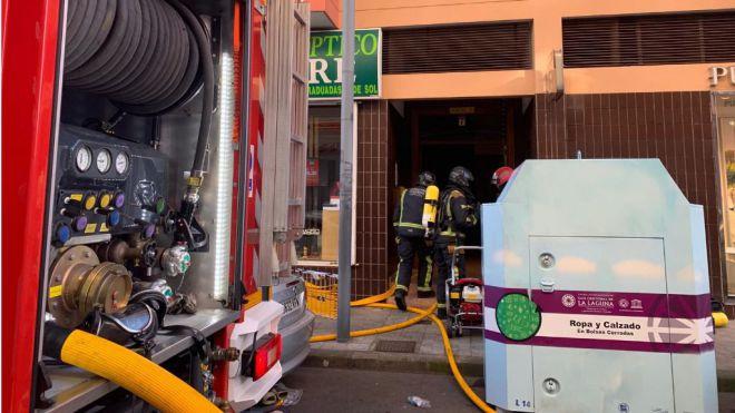 Incendio en garajes de La Laguna y Arona y extinción de incendio forestal en Las Lajas
