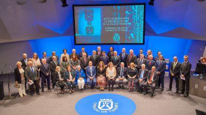 Medalla de Oro de Tenerife a las empresas con más de 100 años de actividad