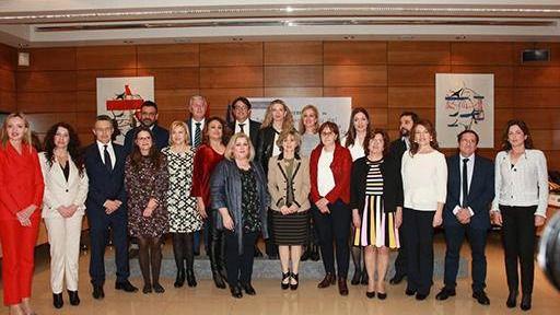 Gobierno y autonomías aprueban el reparto de ayudas sociales con cargo al 0,7% del IRPF