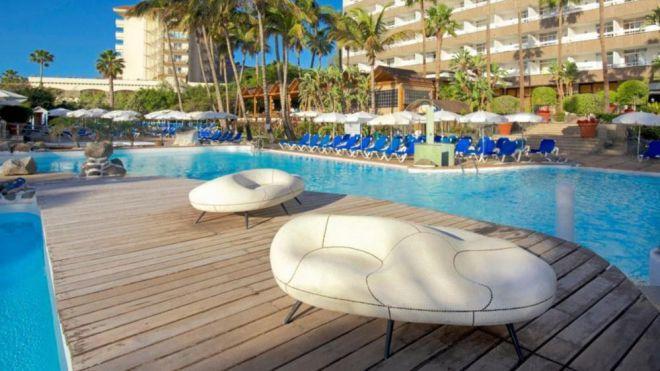 Los hoteles canarios bajan los precios