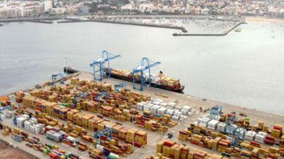 El puerto de La Luz pierde casi 9.000 contenedores en un mes