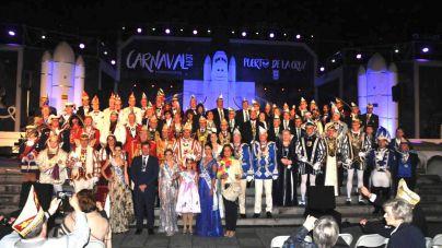 La delegación alemana del Carnaval es recibida en el Ayuntamiento de Puerto de la Cruz