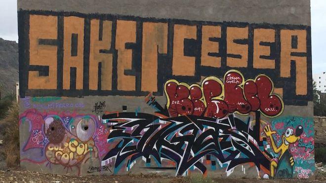 Trasladan a la Guardia Civil un informe con los casi 900 grafitis que jalonan la GC-1 y GC-2