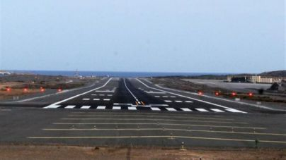 Seis Boeing 737 MAX permanecen estacionados en los aeropuertos de Gran Canaria y Tenerife Sur