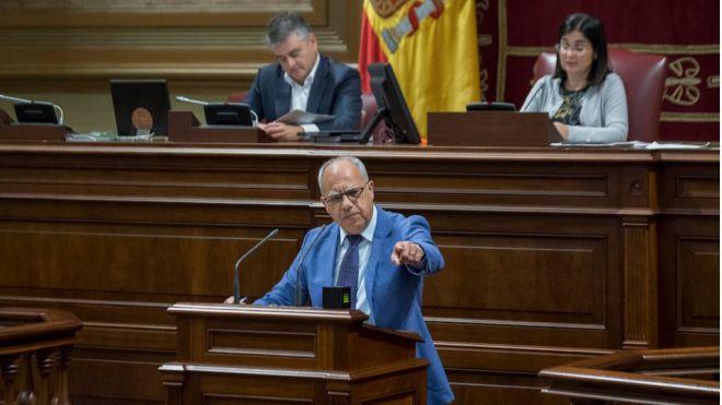 Curbelo lamenta el bloqueo del Parlamento ante la oportunidad de dar voz a las Islas no capitalinas