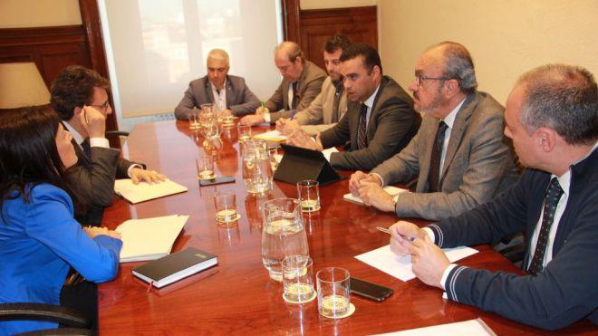 Gobierno y productores piden que el POSEI compense la comercialización independientemente del destino