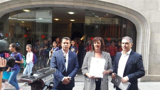 La FEHT, ASCAV y colectivos de Canarias piden paralizar la ley turística