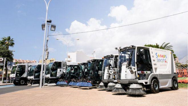 Arona moderniza totalmente la flota de limpieza viaria y de recogida de residuos