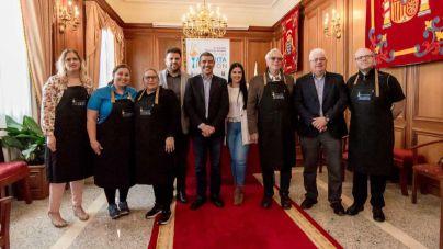 Valverde muestra su gastronomía en la Feria de la Tapa 'Alvarita Padrón'