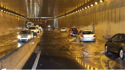 """""""Cuando llueve la capital se ve sumida en un auténtico caos circulatorio"""""""